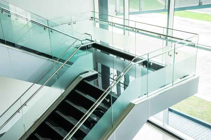 How to Measure Glass Railings for the Stairs?