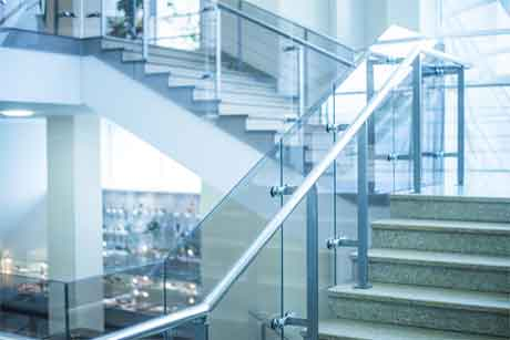 Important things about glass railing